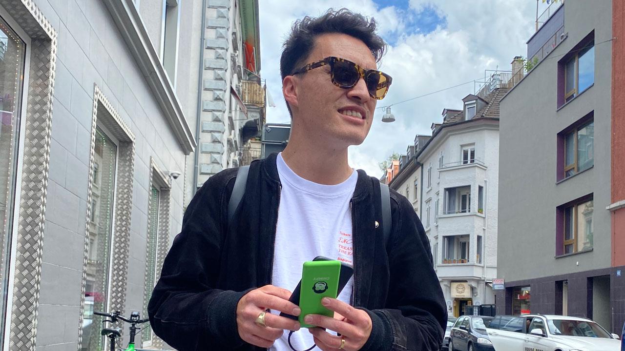 alex-using-smartphone